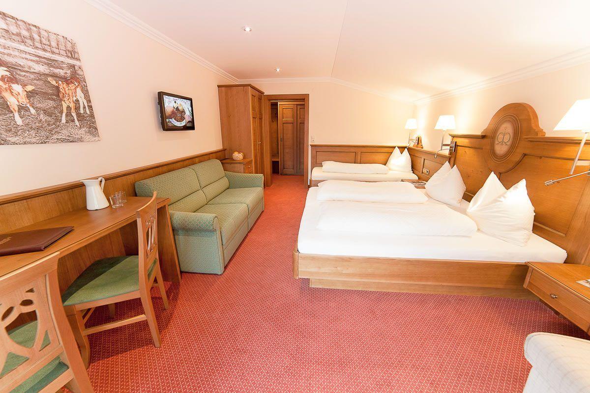 Zimmer am bauernhof ransburgerhof flachau for Urlaub familienzimmer